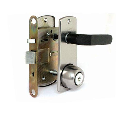Замена личинки замка входной двери