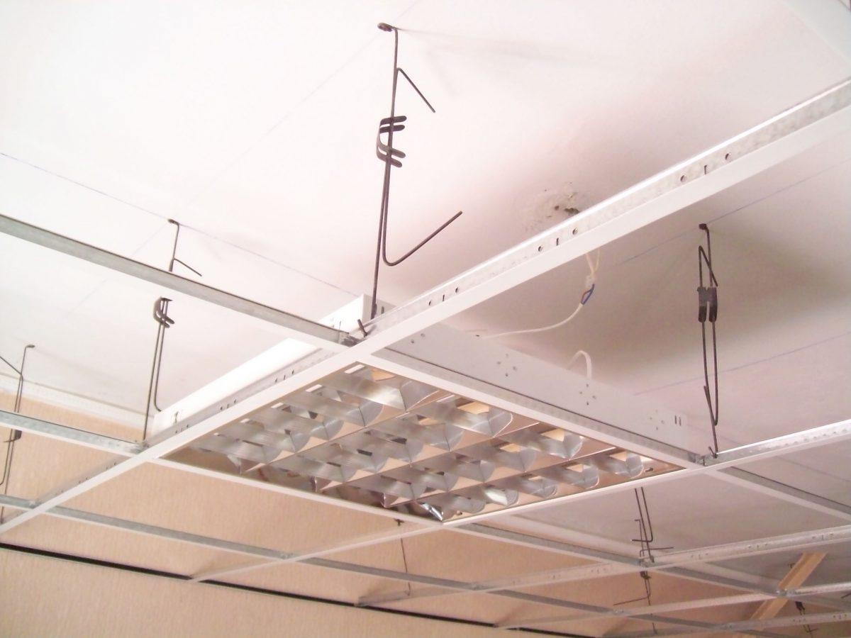 Монтаж потолка Армстронг: невозможное возможно?