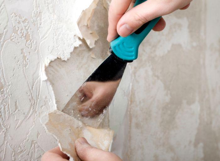 Как быстро снять обои со стен: действуем эффективно