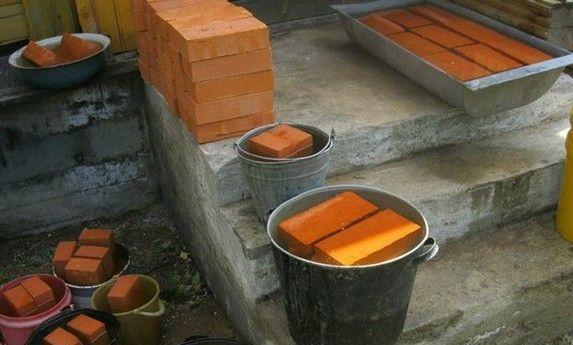 Кладка в полкирпича: начало покорения строительных вершин