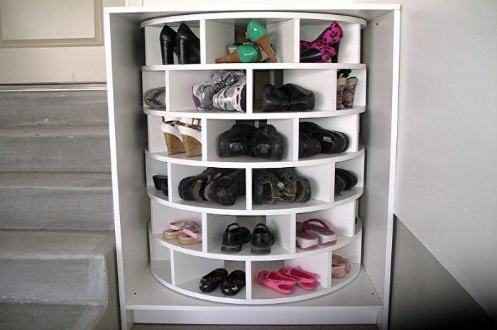 Обувница своими руками: легкие варианты из знакомых материалов