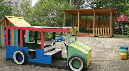 Детская площадка своими руками из подручных материалов