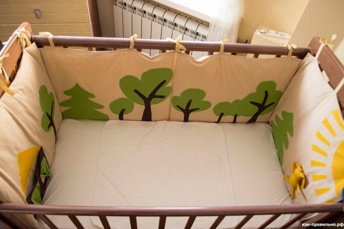 Бортики в кроватку своими руками: материалы и варианты мягких стен