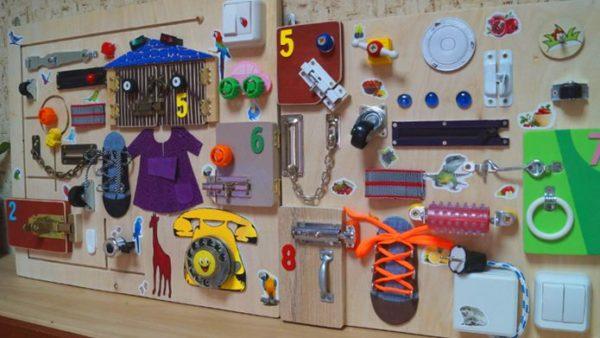 Бизиборд своими руками, фото, подходящие предметы, «созидание»