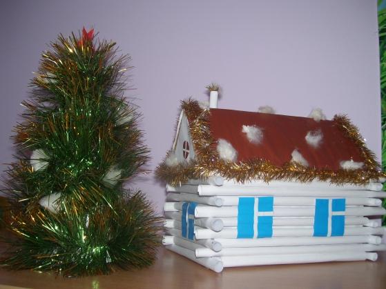 Новогодний домик из картона своими руками: здания одинаковые, но разные