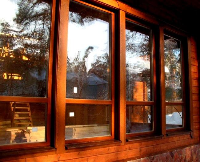 Какие окна выбрать: деревянные или пластиковые конструкции?