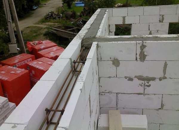 Строительство дома из твинблока: его преимущества и особенности работ