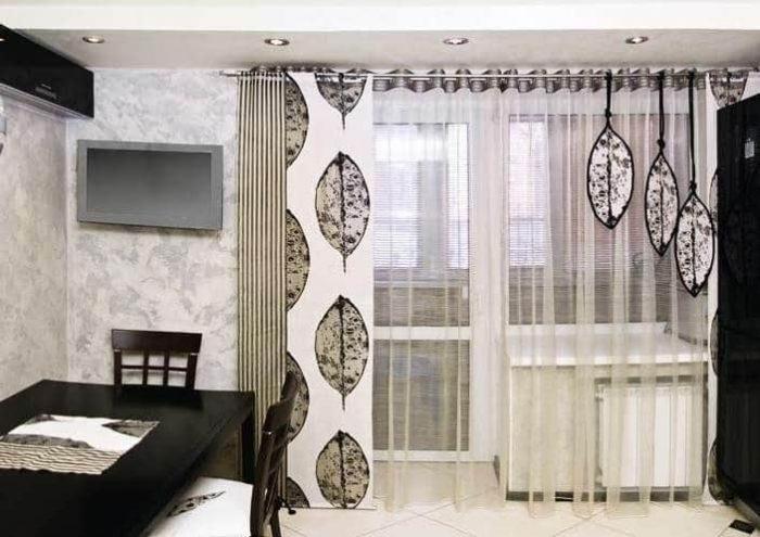 Тюль для зала с балконной дверью: виды ткани и простые требования к ней