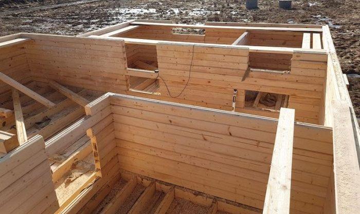 Строительство деревянной бани своими руками: этапы нелегкой работы