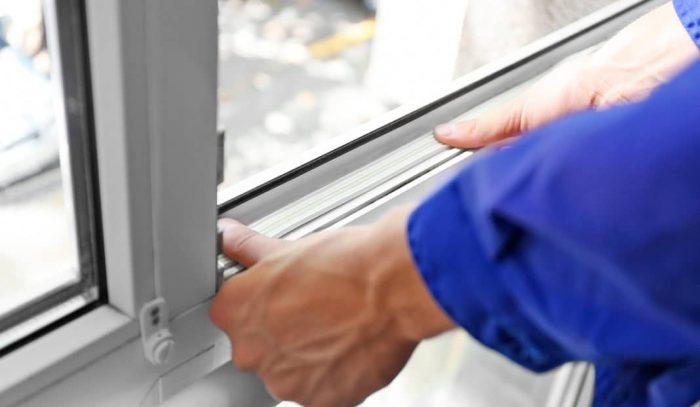 Как поменять резинки на окнах: причины «болезни», диагностика и замена