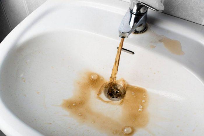 Куда звонить, если отключили воду: где легко узнать причины, куда пожаловаться?