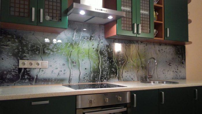 Чем и как крепить фартук на кухне: работа с МДФ, стеклом и пластиком