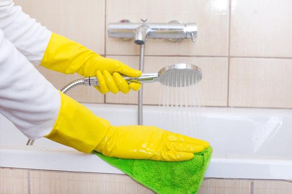 Как отмыть ванну от желтого налета: обзор потенциальных способов