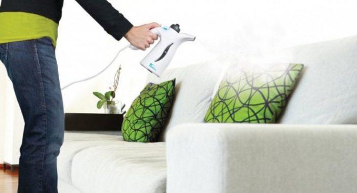 Как почистить подушки: правила и «свои» процедуры для разных изделий