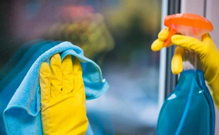 Как убрать царапину на стекле: помощь препаратов и народных средств