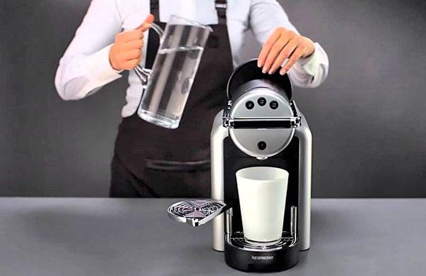 Как очистить кофемашину: элементы, узлы и нюансы ухода за техникой