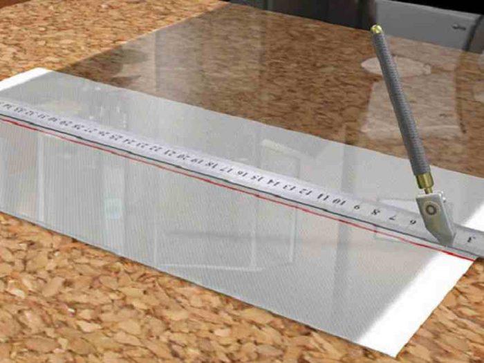 Как правильно резать стеклорезом, и что же делать, если инструмента нет