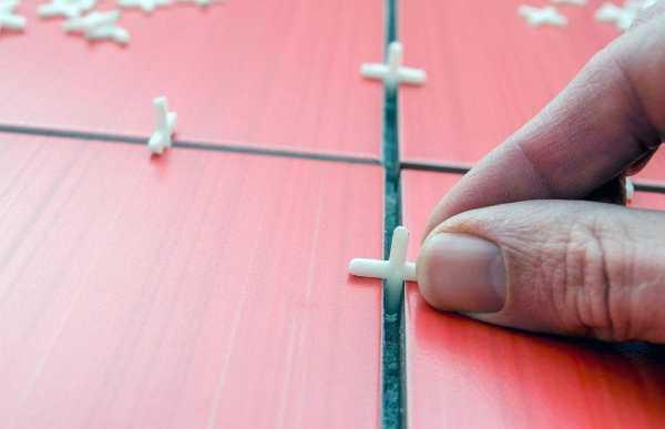 Как затирать швы на плитке: виды смесей, особенности технологии и этапы операции