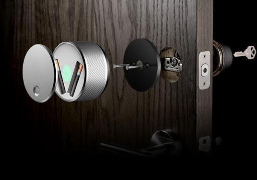 Умный дверной замок: возможности и виды интеллектуальных устройств
