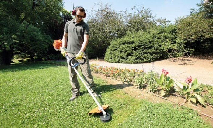 Чем лучше косить траву: виды садового оборудования и режущие инструменты