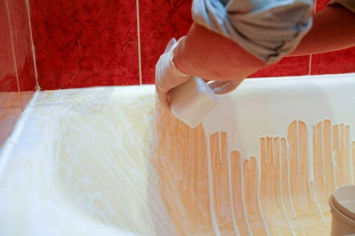 Чем и как покрасить ванну: потенциальные способы реставрации прибора