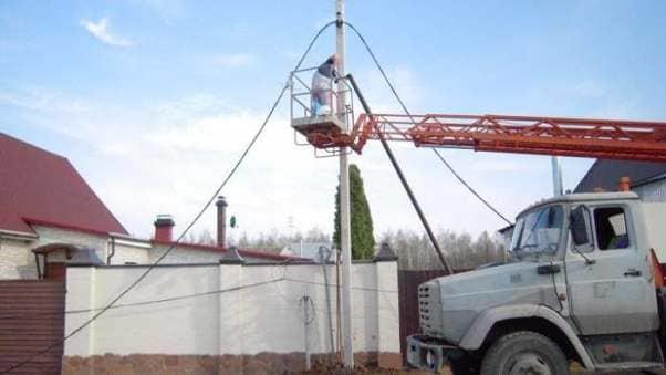 Как провести электричество на участок: организация электроснабжения