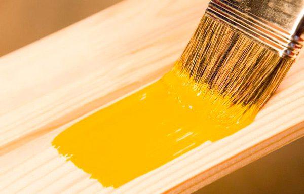 Какая краска лучше для дерева: важные качества и возможные кандидаты