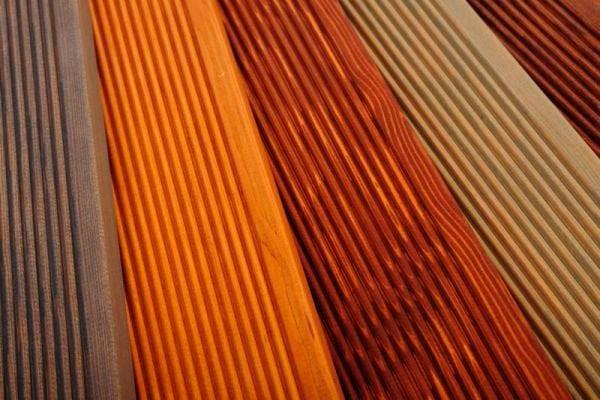 Чем покрыть террасу: знакомство с потенциальными претендентами