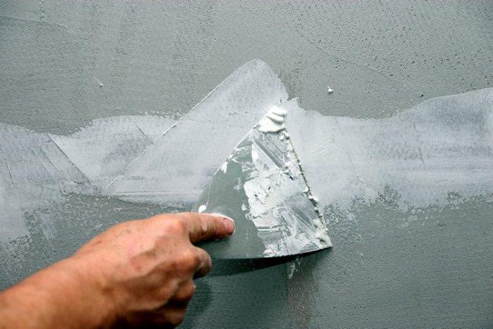 Как убрать пузыри на обоях после высыхания: способы устранения дефектов
