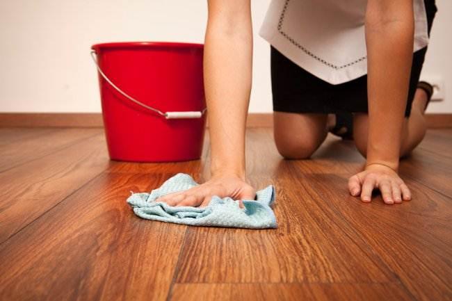 Как убрать скол на ламинате: потенциальные «спасители» и способы ремонта